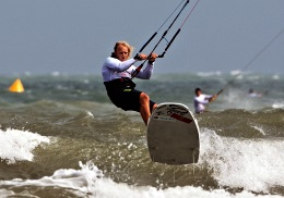 World champions kiteboarding in China
