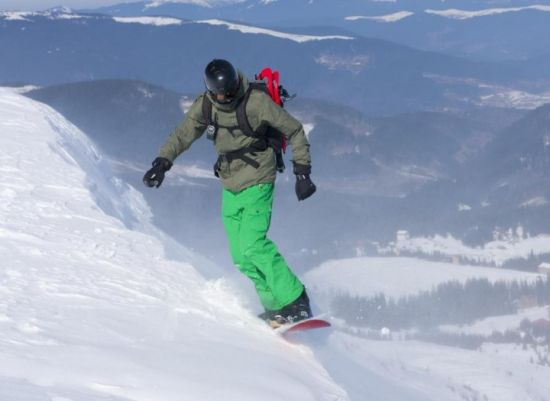 snowboarder-on-steep-slope