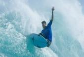 Джон Флоренс выиграл тур мировых соревнований, несмотря на появление акул